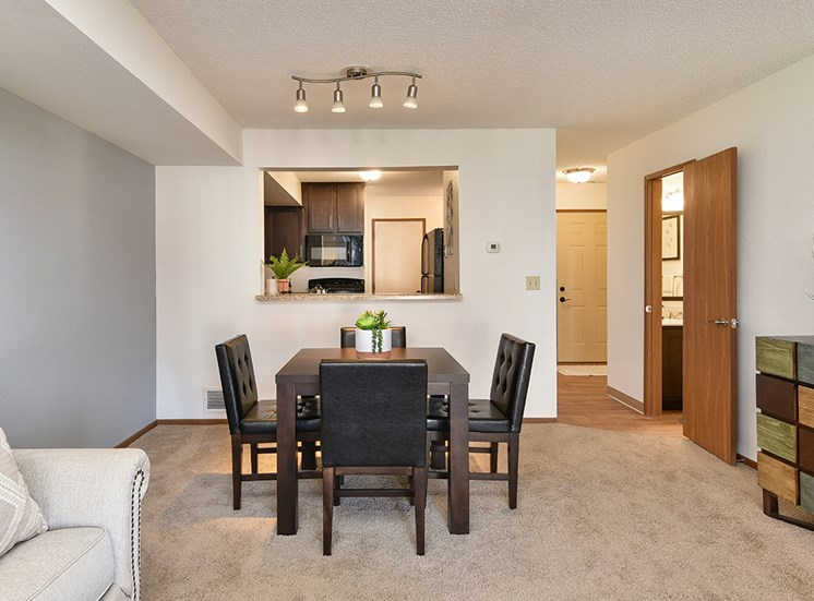 Bass Lake Hills Townhomes - Dining Room