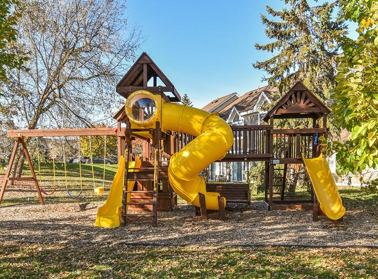 Bass Lake Hills Townhomes - Playground