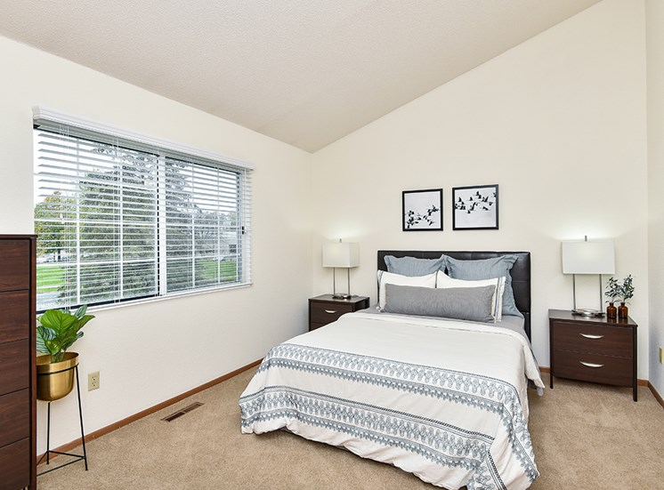 Birch Lake Townhomes - Bedroom