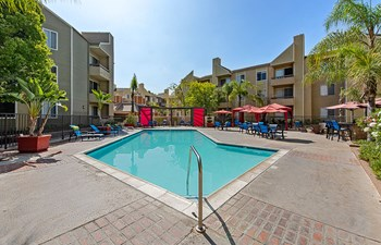 13801 Paramount Blvd. 1-2 Beds Apartment for Rent Photo Gallery 1