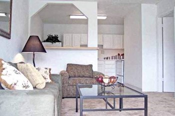 1817 West Call Street 1 Bed Apartment for Rent Photo Gallery 1