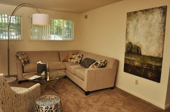 1182 Quail Run Drive 3 Beds Apartment for Rent Photo Gallery 1