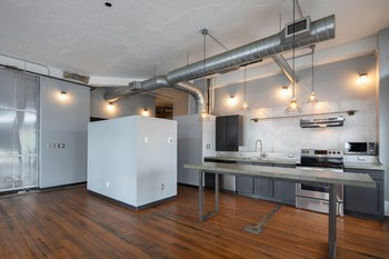 1827 1St Ave N Studio-2 Beds Apartment for Rent Photo Gallery 1