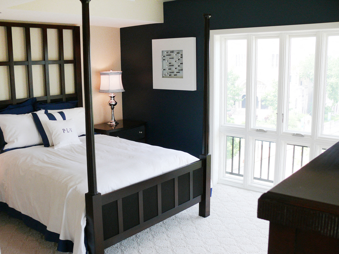 Bedroom at Park Lane Villa Apartments in University Circle