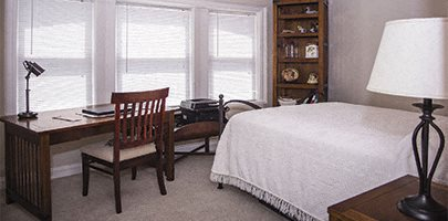 Bedroom with office at Park Lane Villa Apartments in University Circle Cleveland