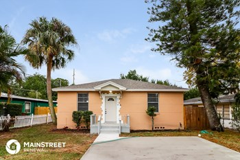 4114 W Arch St 4 Beds House for Rent Photo Gallery 1