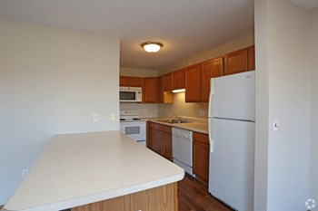 6965 70th Ct 1 Bed Apartment for Rent Photo Gallery 1