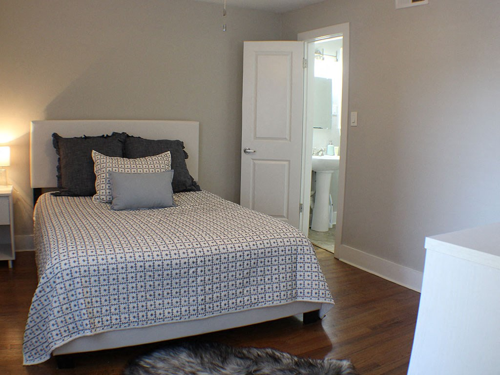 bedroom  in apartments in Buckhead Altanta GA