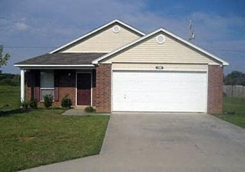 133 Chestnut Cir 3 Beds House for Rent Photo Gallery 1