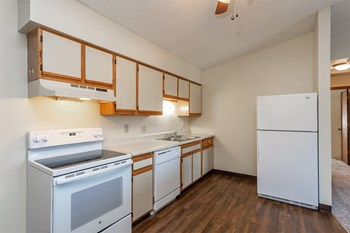 2120 Grand Ave 1-2 Beds Apartment for Rent Photo Gallery 1