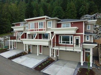 #6-47315 Sylvan Drive 3 Beds Apartment for Rent Photo Gallery 1