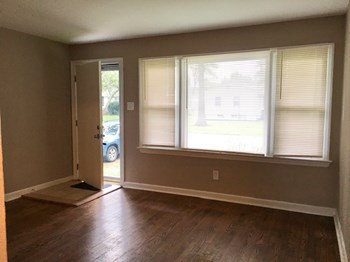 9219 Leith Ave 3 Beds House for Rent Photo Gallery 1