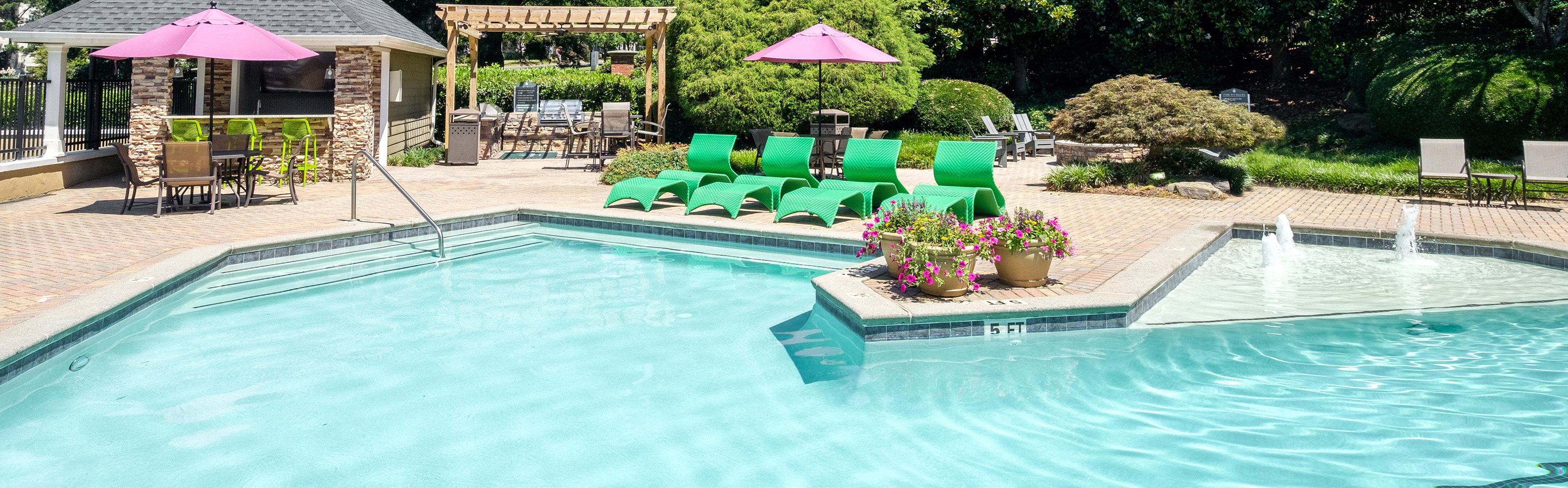 Evergreen Lenox Park - Banner photo of pool