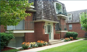 5145 Northeast Chouteau Trafficway 1-2 Beds Apartment for Rent Photo Gallery 1