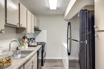 12811 Greenwood Forest Dr. 1-2 Beds Apartment for Rent Photo Gallery 1