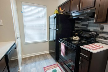 1015 Country Place Dr 1-4 Beds Apartment for Rent Photo Gallery 1