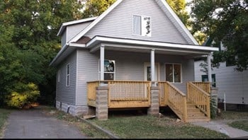 984 Victoria Street North 3 Beds House for Rent Photo Gallery 1