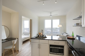 2905 Harriet Avenue Studio-2 Beds Apartment for Rent Photo Gallery 1