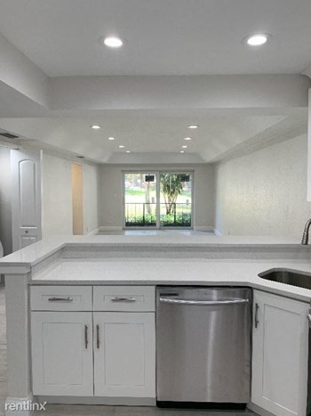 398 West Camino Real Studio Apartment for Rent Photo Gallery 1