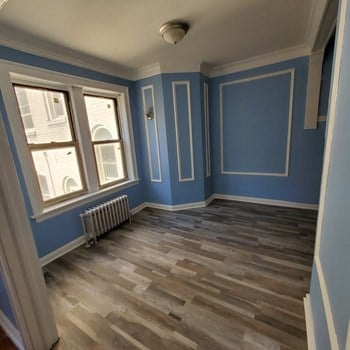 1553 W 91St 1-2 Beds Apartment for Rent Photo Gallery 1