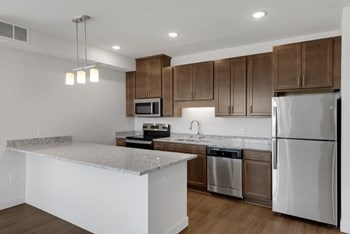 5711 Xerxes Ave N 3 Beds Apartment for Rent Photo Gallery 1