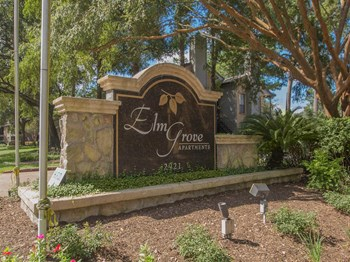 2921 Sycamore Springs Dr 1-3 Beds Apartment for Rent Photo Gallery 1
