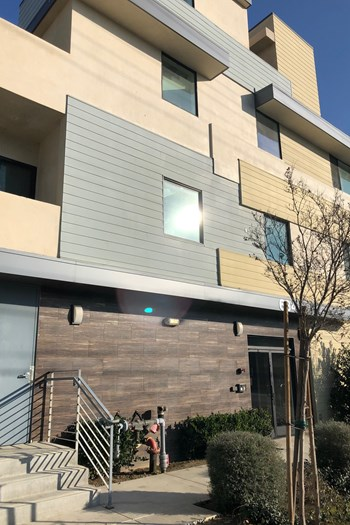 6844 Woodman Ave 3 Beds Apartment for Rent Photo Gallery 1