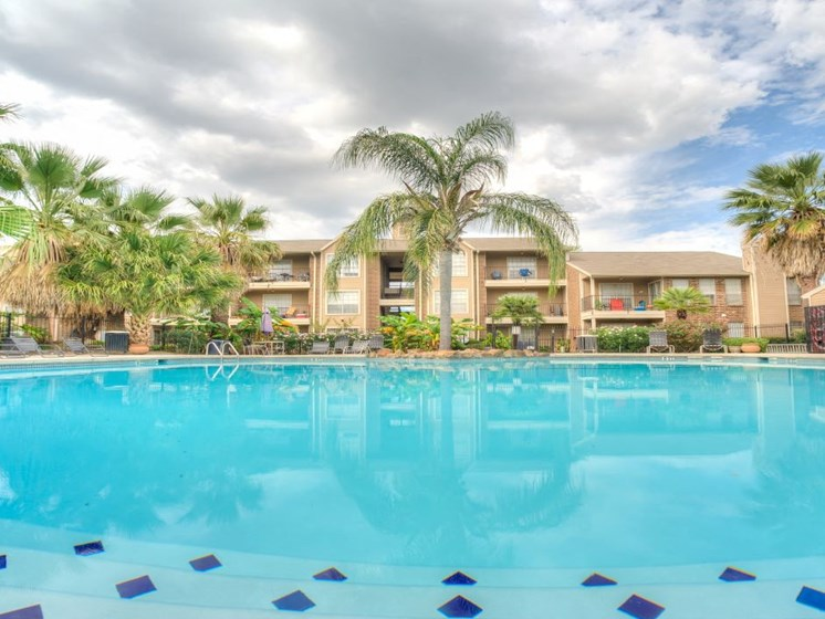 Resort Style Swimming Pool at Fairfield Cove Apartments, Houston, 77090