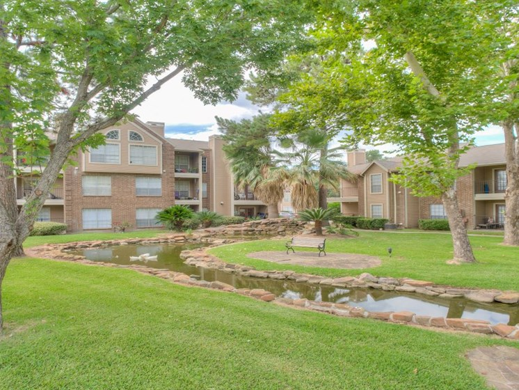 Beautiful Lawn area at Fairfield Cove Apartments, Texas, 77090