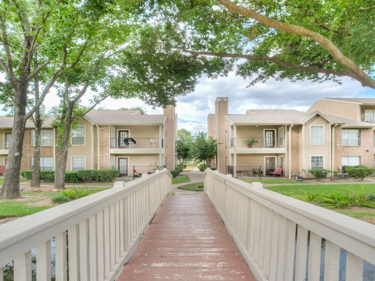 Beautiful Landscaping With Walking Path at Fairfield Cove Apartments, Houston, 77090
