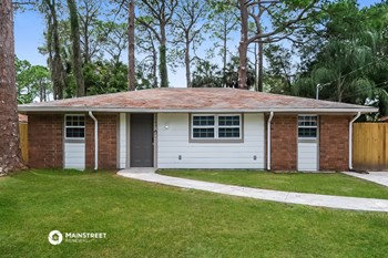 7145 Pinewood Dr 3 Beds House for Rent Photo Gallery 1