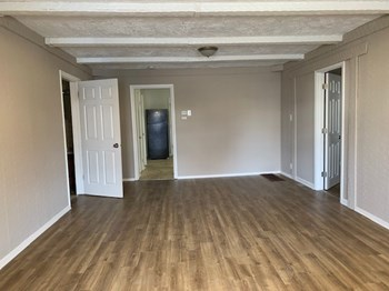 206 W Holden Ave 3 Beds House for Rent Photo Gallery 1