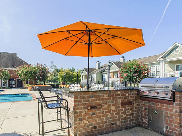 Outdoor Kitchen at Reserve at Bridford Apartments in Greensboro
