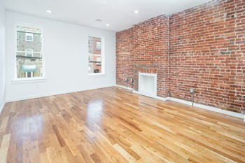512 Park Ave 3 Beds Apartment for Rent Photo Gallery 1