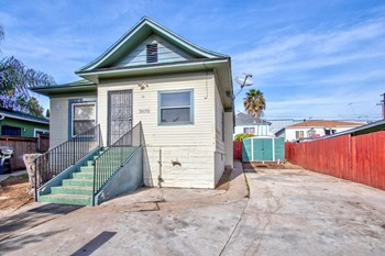 3070 Island Avenue 3 Beds House for Rent Photo Gallery 1