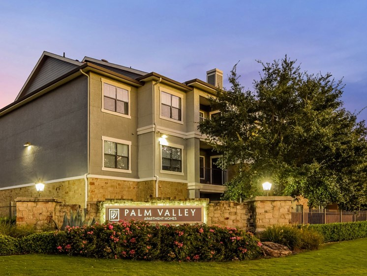 Welcome Home to Palm Valley Apartments, Round Rock, Texas