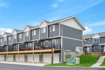 401 Athabasca Ave 3 Beds Apartment for Rent Photo Gallery 1