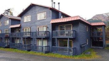 282 Crystal Mountain Road Studio-1 Bed Apartment for Rent Photo Gallery 1
