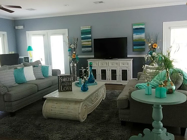 Decorated Living Room at Park Pines Apartments, Hattiesburg, 39401