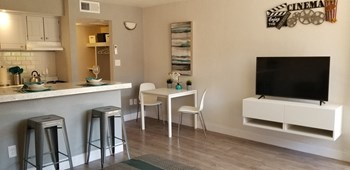 1545 W Camelback Rd Studio-1 Bed Apartment for Rent Photo Gallery 1