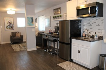 8818 S Central Ave Studio-2 Beds Apartment for Rent Photo Gallery 1