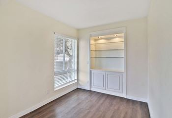 Unit 245 2 Beds House for Rent Photo Gallery 1