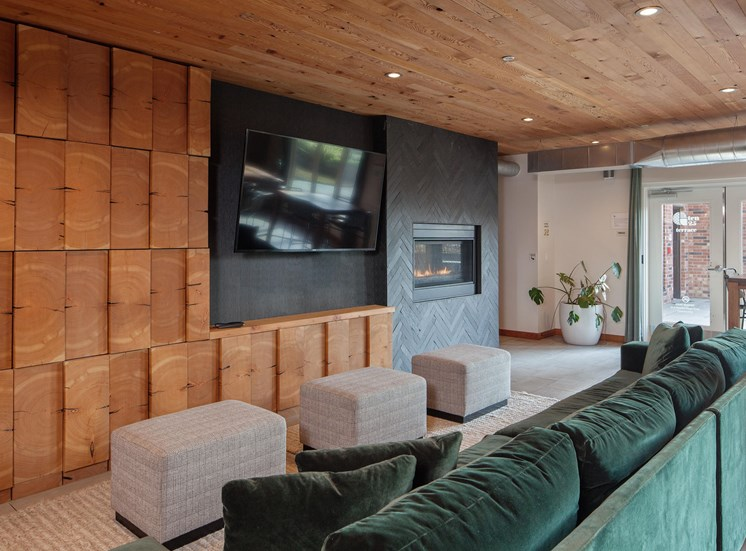 GoatBlocks_Portland_OR_1025_Lounge_TV