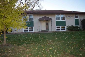5127 Edgewood Avenue North 2 Beds Apartment for Rent Photo Gallery 1