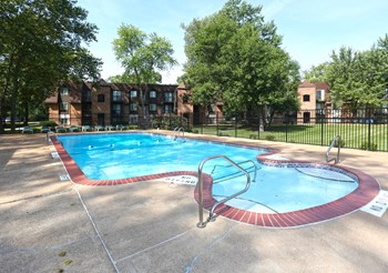 240 Chapel Ridge Dr 1-2 Beds Apartment for Rent Photo Gallery 1