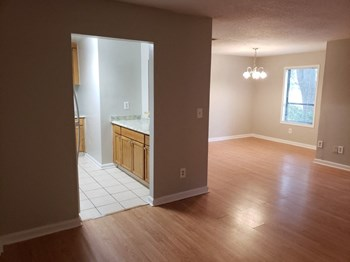 Woodbriar Circle Studio-3 Beds Apartment for Rent Photo Gallery 1