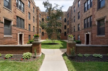 3507-13 N Racine Ave 1 Bed Apartment for Rent Photo Gallery 1