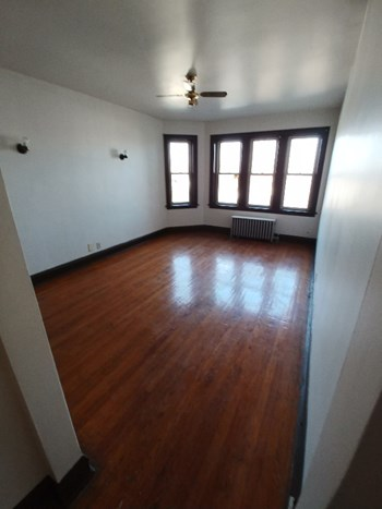 7951-55 Muskegon 1-2 Beds Apartment for Rent Photo Gallery 1