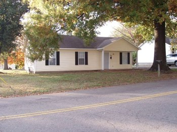 631 North Hays Avenue 3 Beds House for Rent Photo Gallery 1