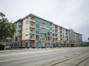 4501 Woodward Ave 1-2 Beds Apartment for Rent Photo Gallery 1
